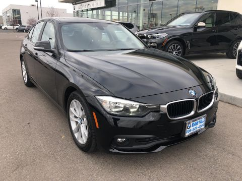 Pre-Owned 2017 BMW 320i xDrive Sedan AWD Sedan